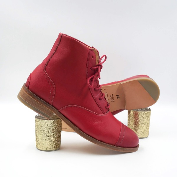 photo Mama Rubie Red and dark red leather boots