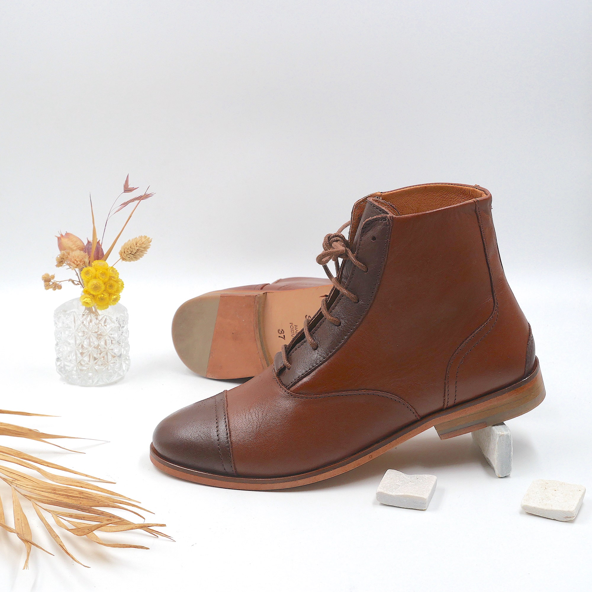 Mama Chestnut Brown and dark-brown boots picture