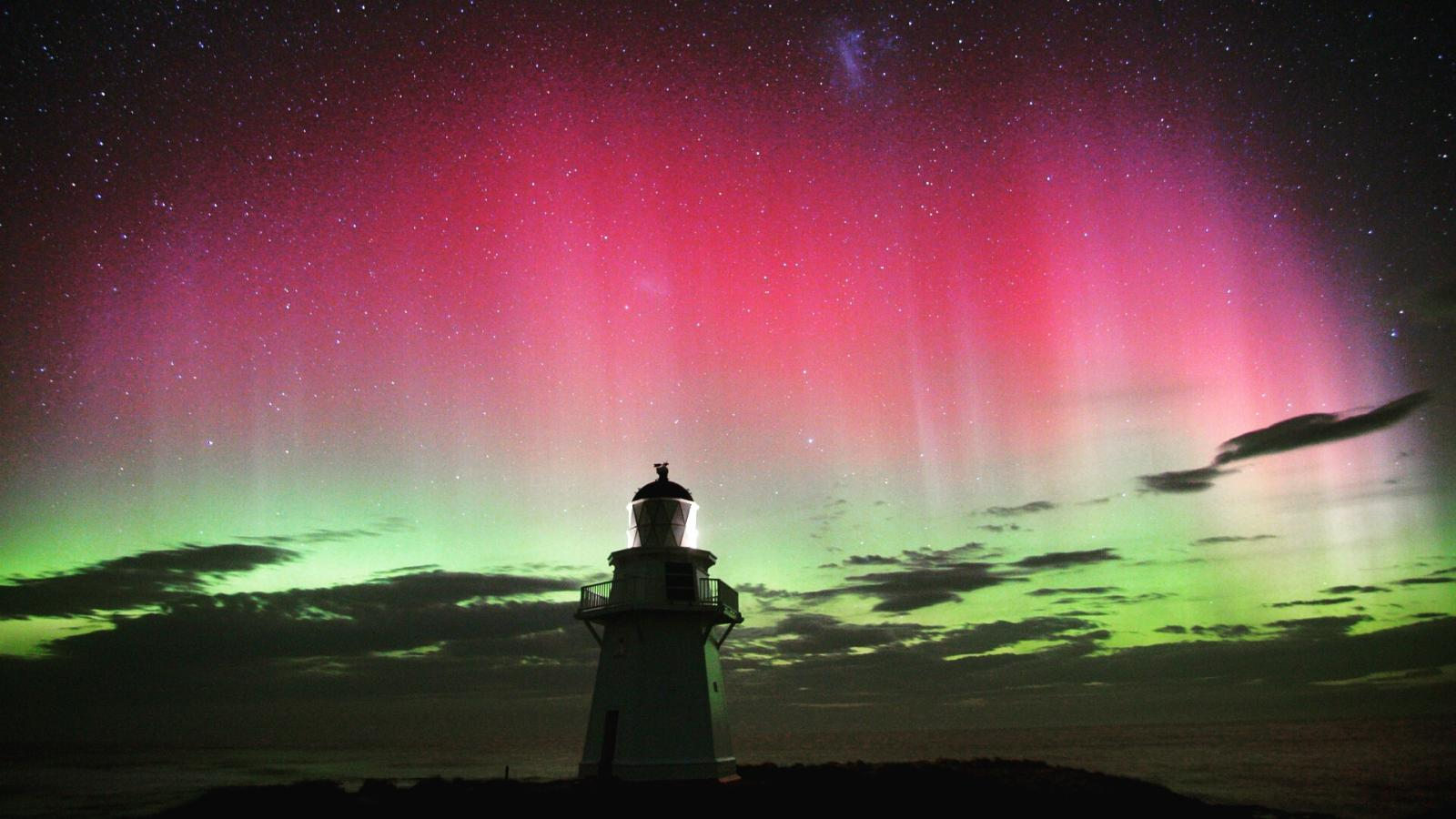 Aurora at Waipapa Lighthouse