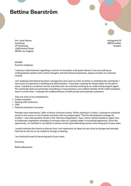 Exemplo de um modelo criativo de carta de apresentação que é gratuito para estudantes universitários e do ensino médio graças ao criador de currículos Kickresume