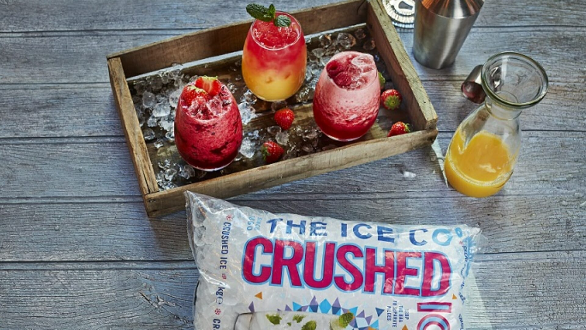 Crushed-ice-and-smoothies