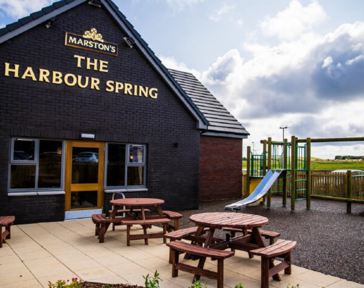 The Harbour Springs By Marston's Inns
