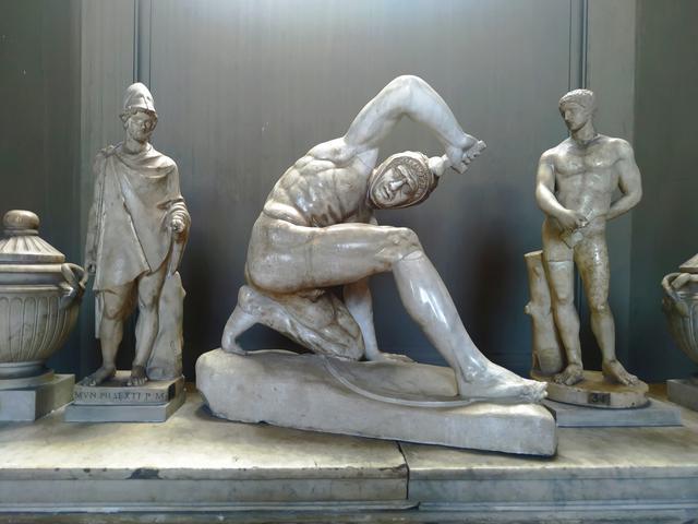 Estatua de Guerrero Persa