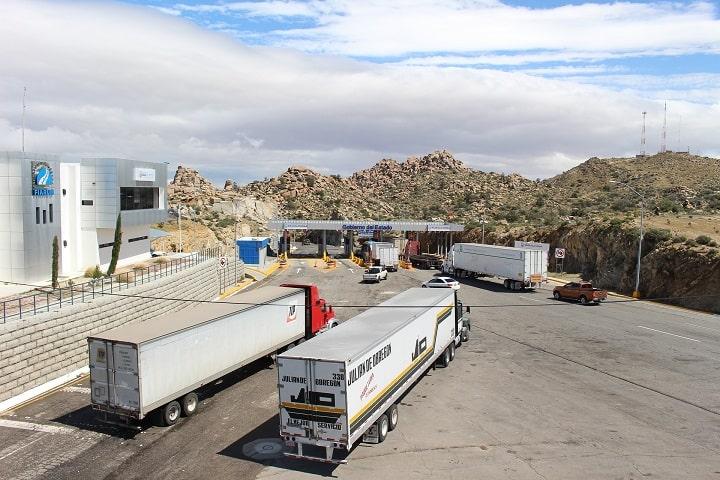 Detienen a 11 camioneros que robaron 2 millones de euros en mercancías
