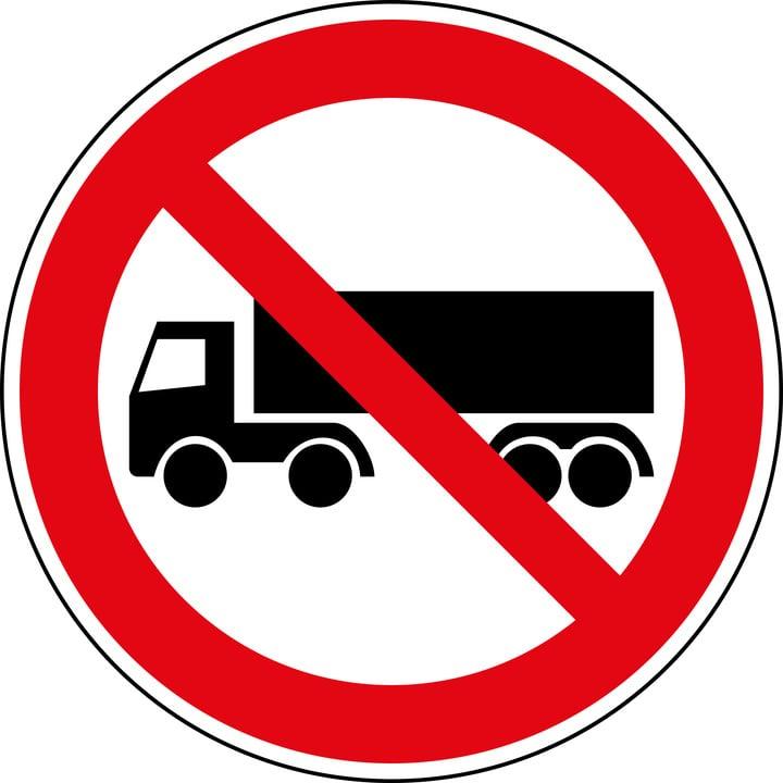 DGT levanta excepcionalmente restricciones a camiones el 16 de agosto