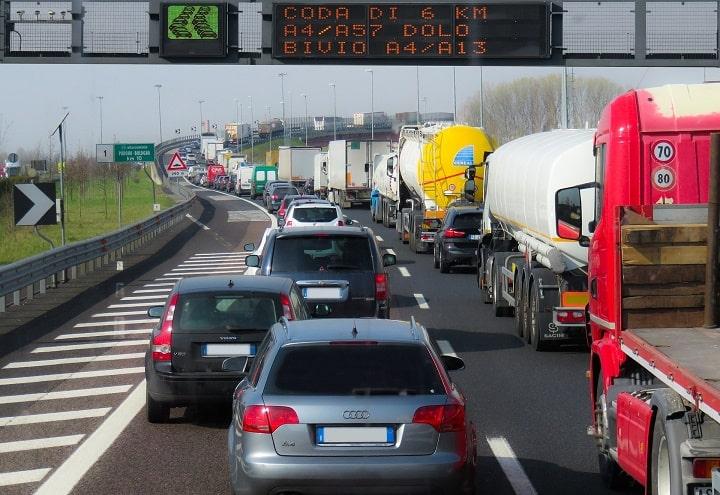 La DGT va a restringir la salida de los camiones por Burgos AP-1/N-1