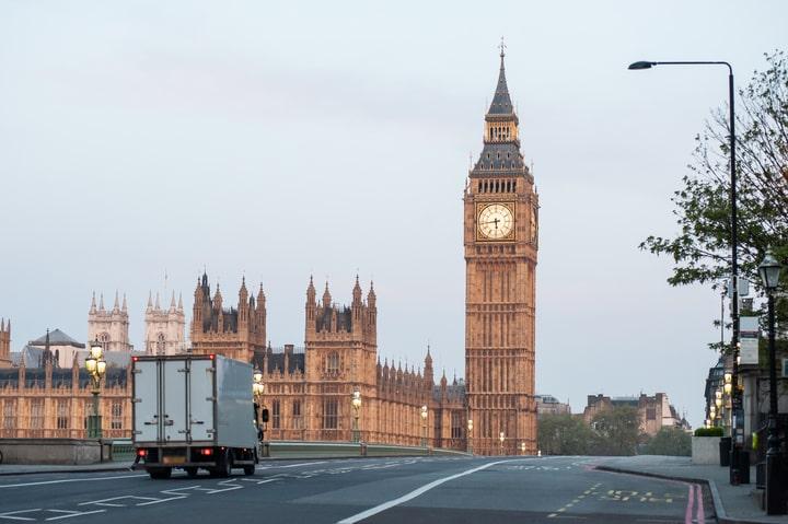 El Gobierno británico flexibiliza los tiempos de conducción y descanso para transportistas