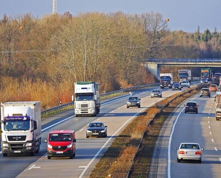 La Jefatura Provincial de Tráfico de Almería prohíbe los camiones por la AP-7