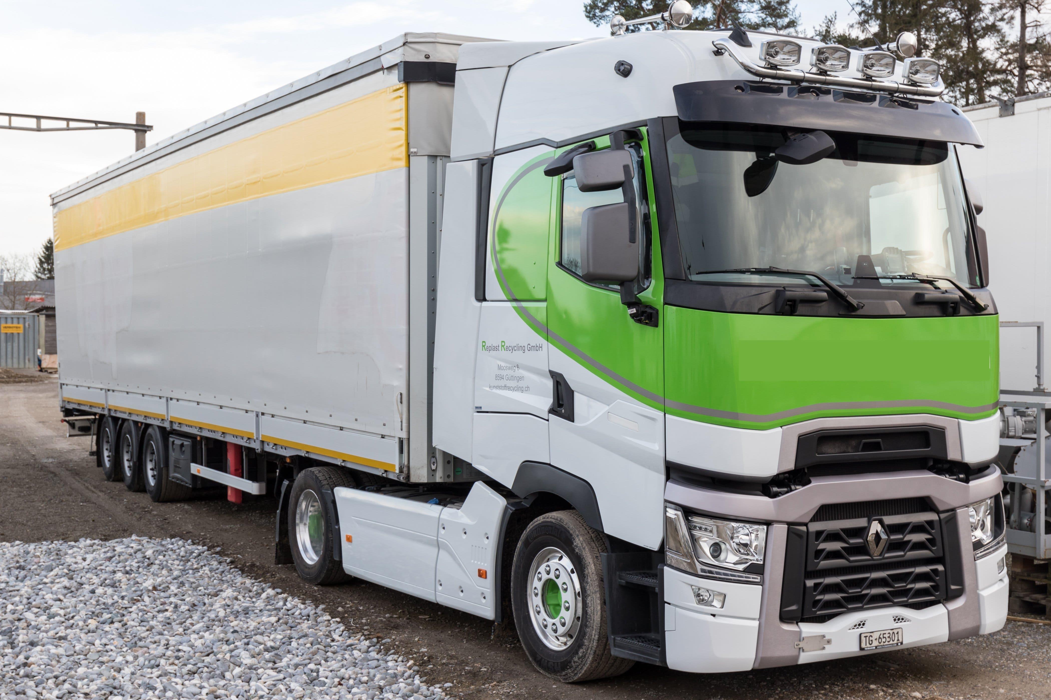 Ministerio de Transportes elimina las restricciones al transporte de mercancías por ser una actividad esencial
