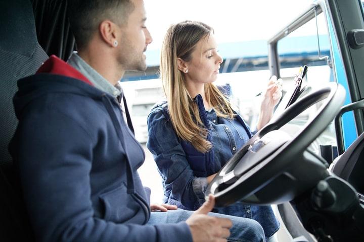 Portugal prohibe la carga y descarga a conductores profesionales