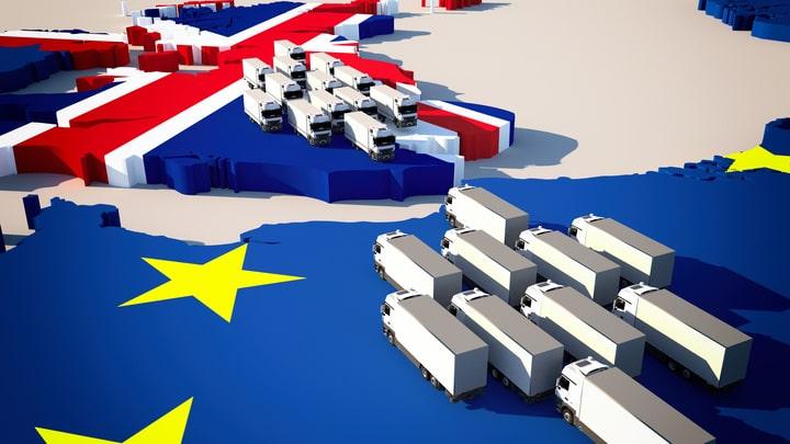 Nuevos trámites para las empresas transportistas para pasar por el eurotunel o el puerto de Dover