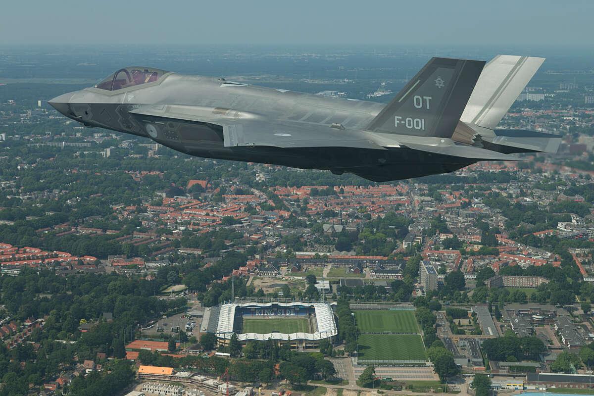 JSF boven Tilburg