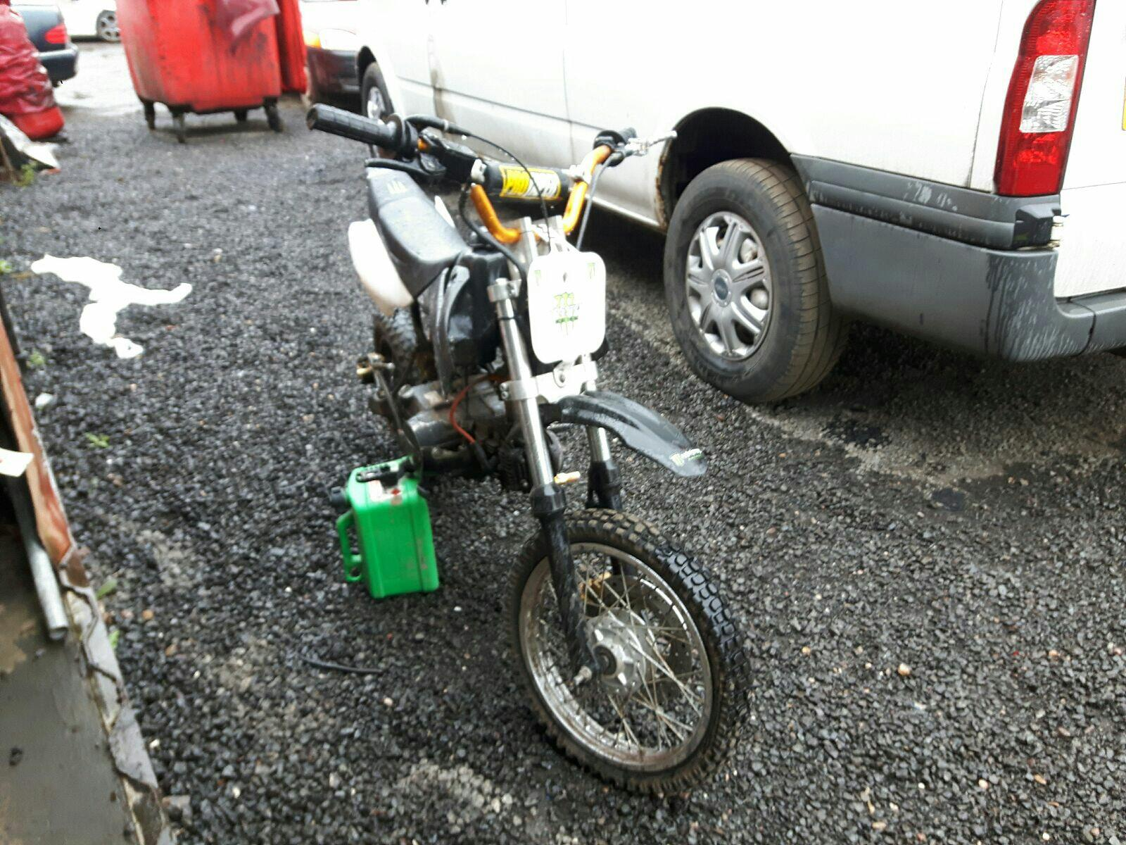 MOTORBIKE  4930298