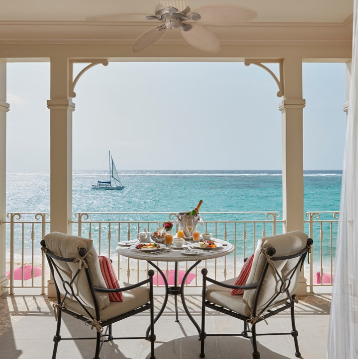 outdoor breakfast at Mandarin Oriental, Canouan