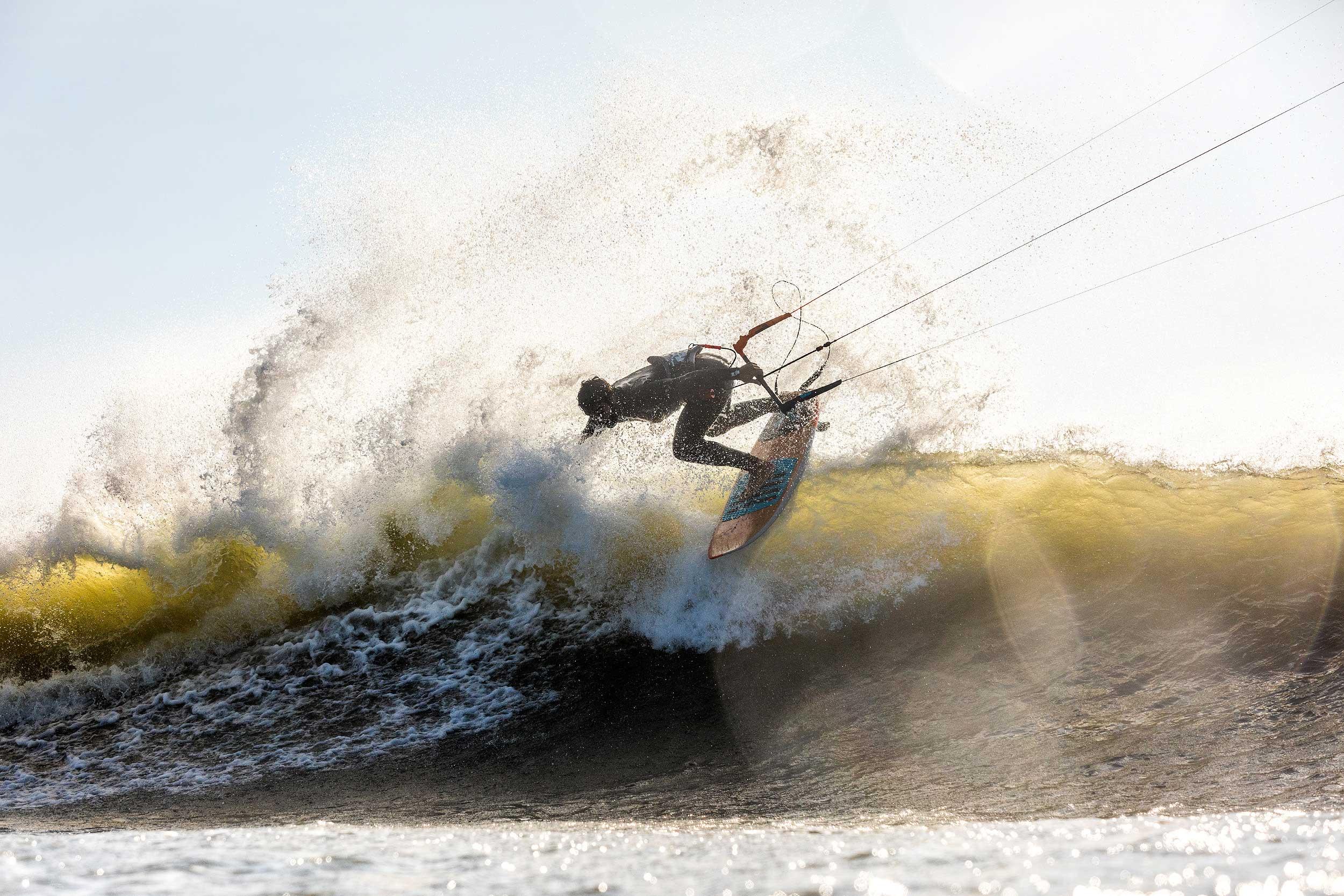 Sebastian Ribeiro kitesurfing Punta Luna, Peru
