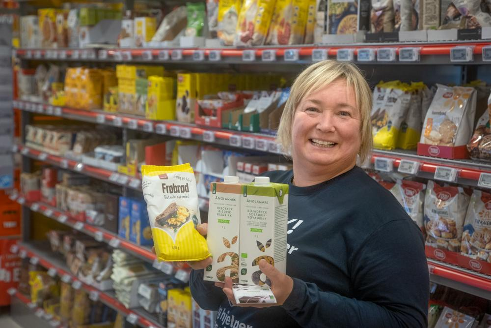 EN NY VERDEN: – Vi er stolte over å ha et veldig bredt utvalg av varer uten gluten og laktose, samt ulike vegan-varianter, sier Hege Romstad.