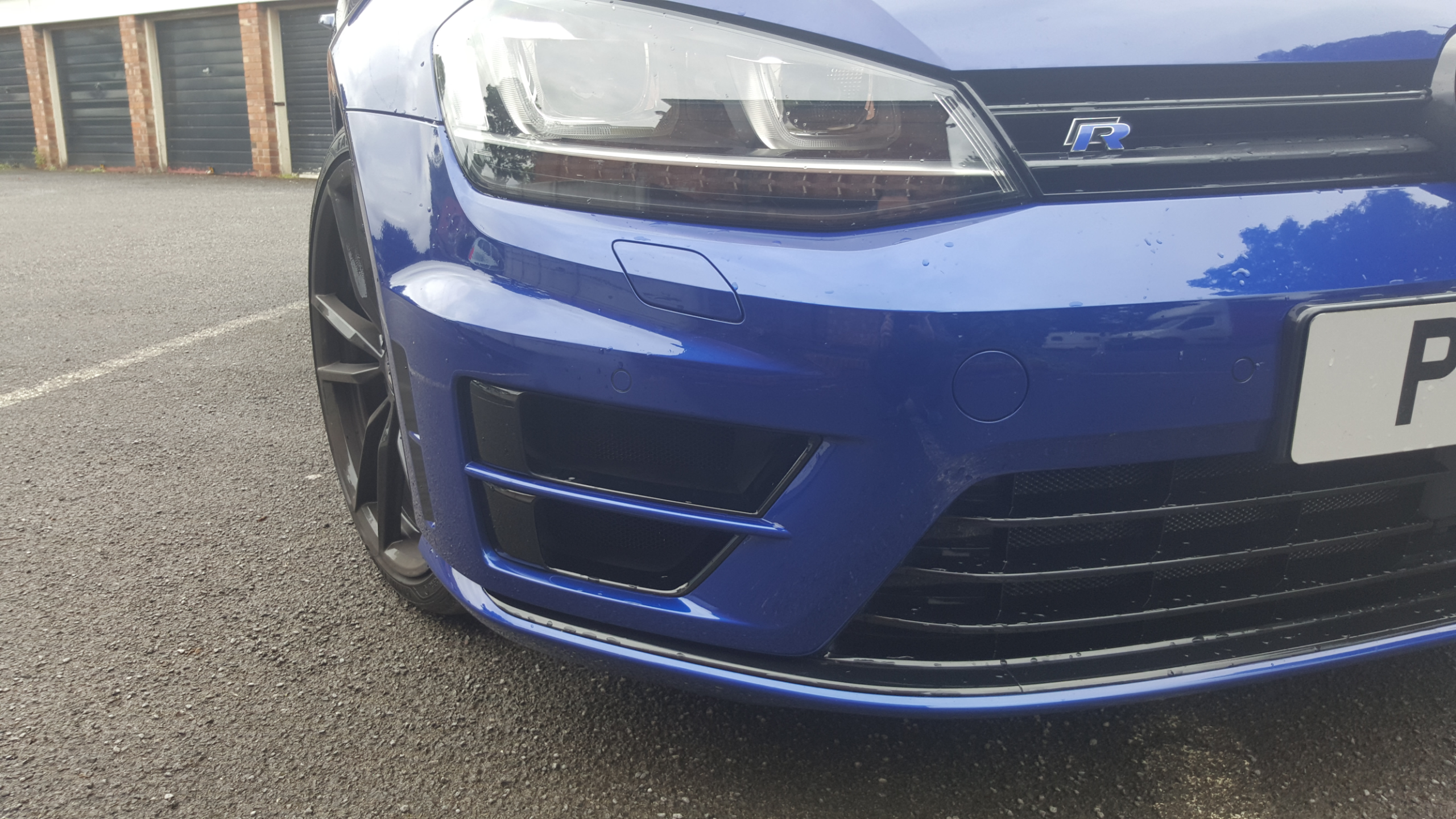 MK7 5 How to remove front grill and bumper???