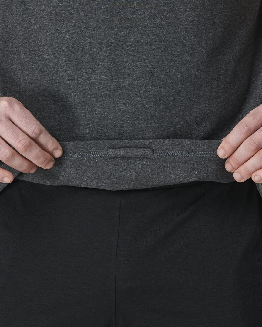 warrior addict mens yoga top performance tee grey detail of hidden loop
