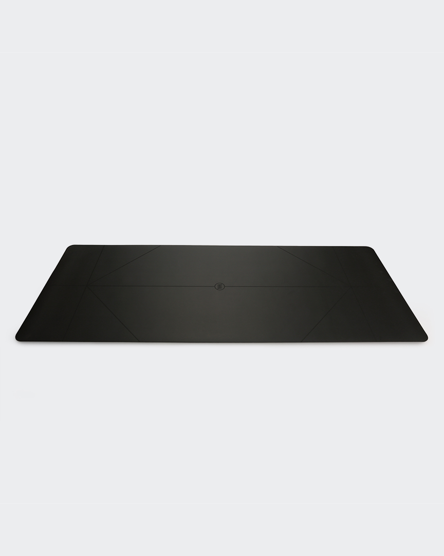 The Warrior Yoga Mat For Men By Warrior Addict In Black Rubber With Alignment Lines Birds Eye View