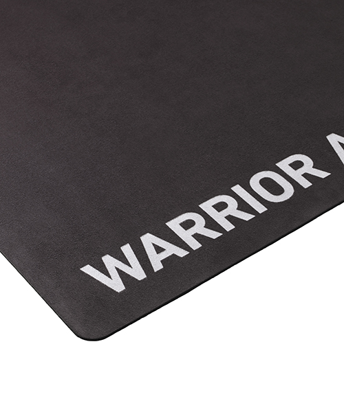 This Pre-Loved Warrior Light yoga mat made from micro fibre and rubber,  is in excellent condition having only been used for a photo shoot or an event. It has been thoroughly cleaned and comes with its own Warrior Addict storage bag.