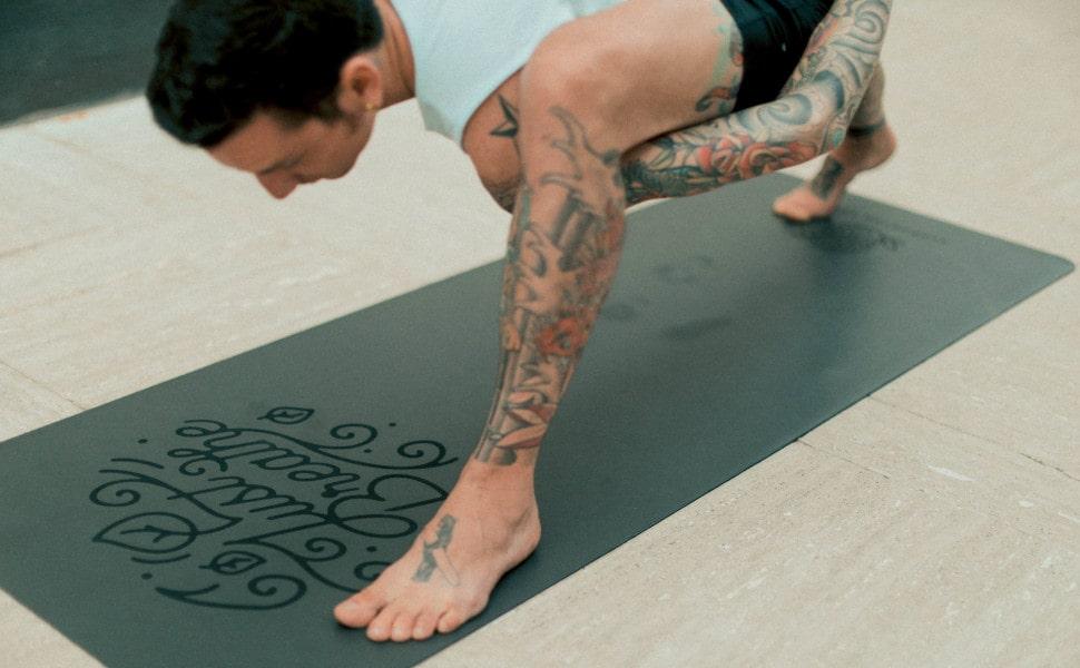 Danni Pomplun Yoga Bind