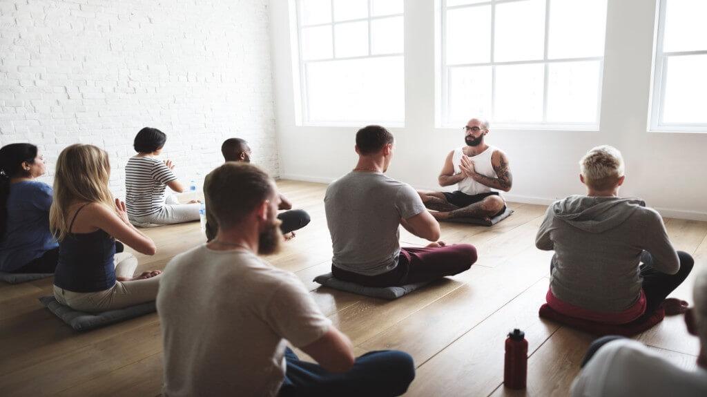 3 men yoga