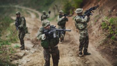 Armysoldierduringthemilitaryoperationinthecity Wararm