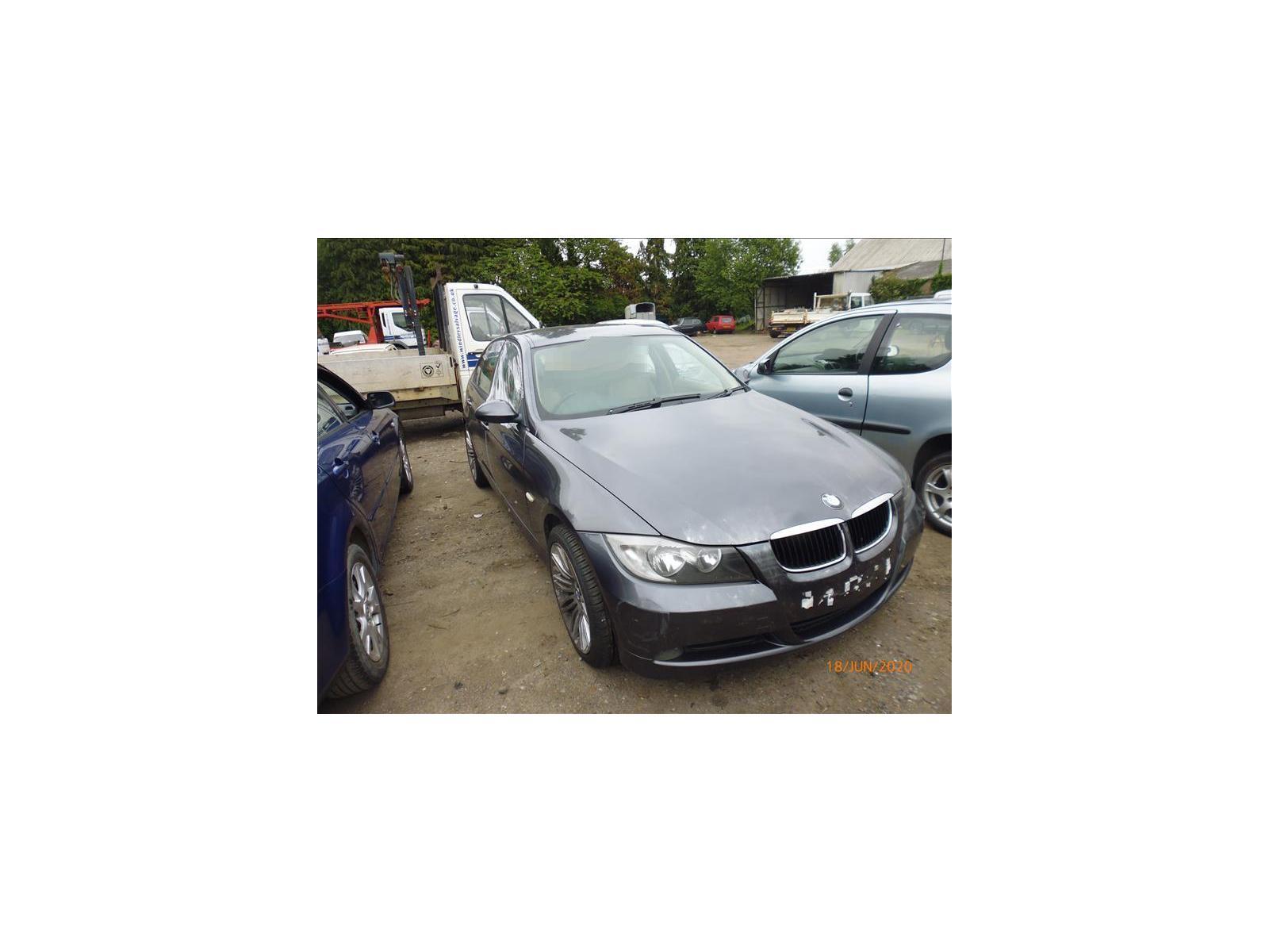 BMW 3 SERIES (320D SE) 320D SE P1040399