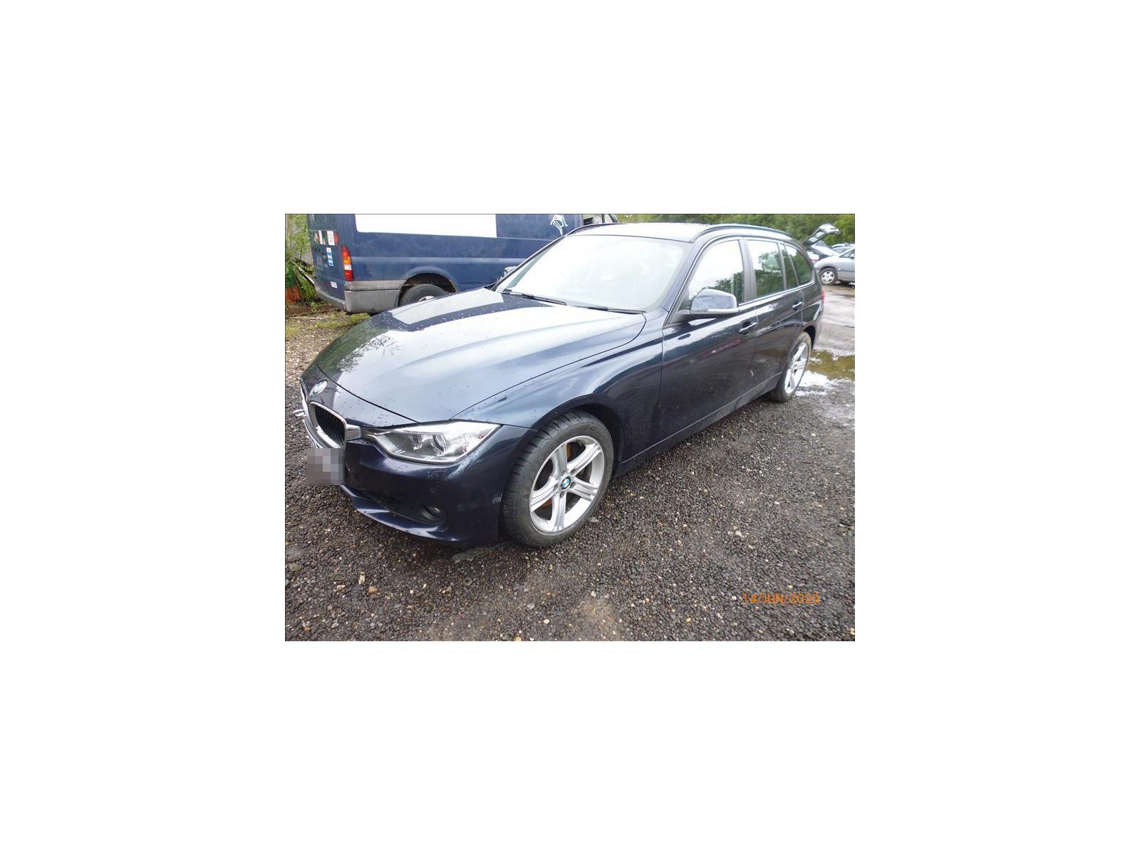 BMW 3 SERIES (330D SE TOURING) 330D SE TOURING P1040352