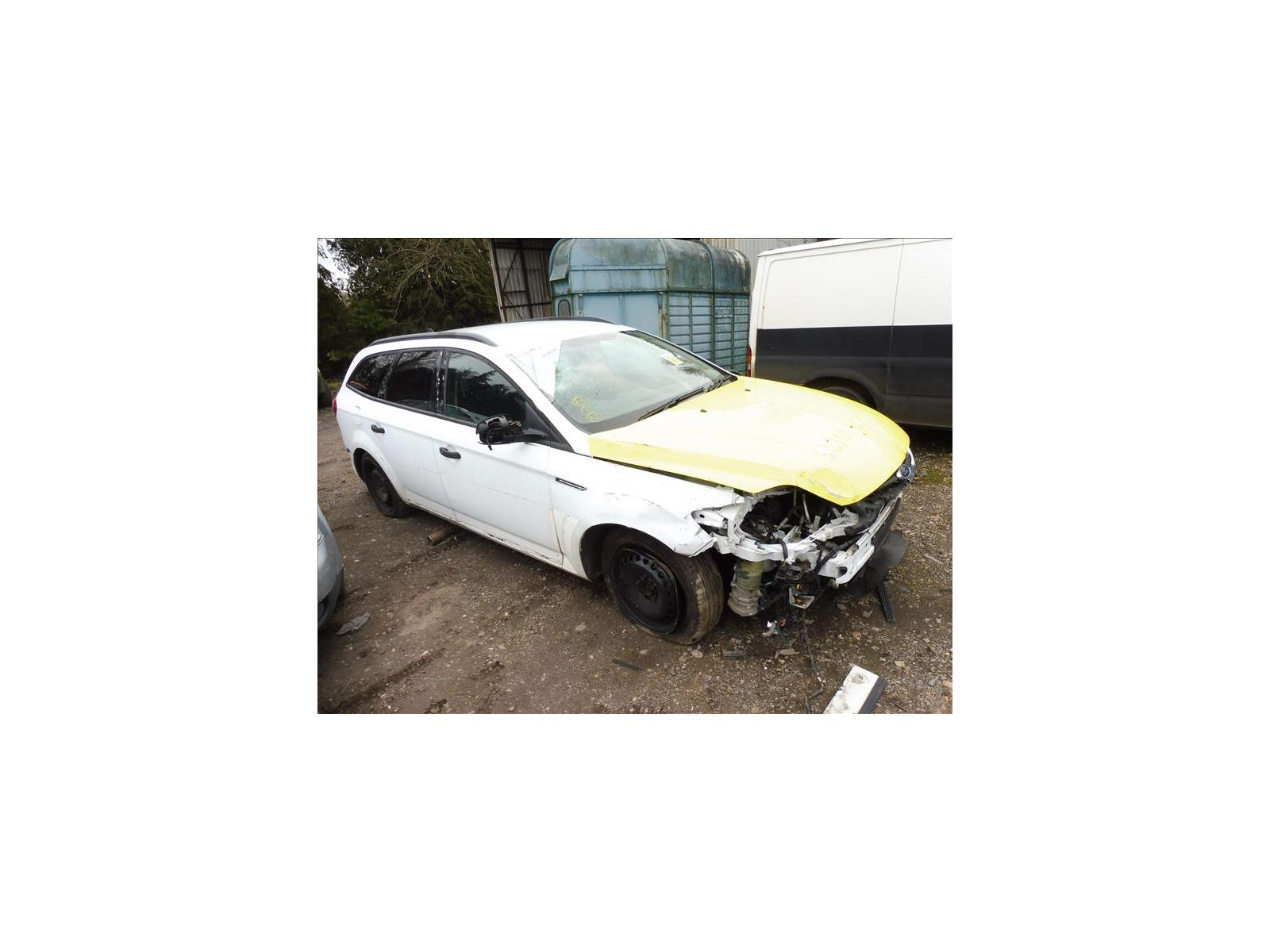 FORD MONDEO  P1040343