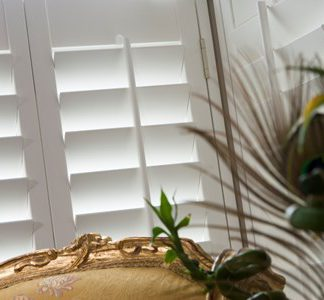 Value wood shutter blind