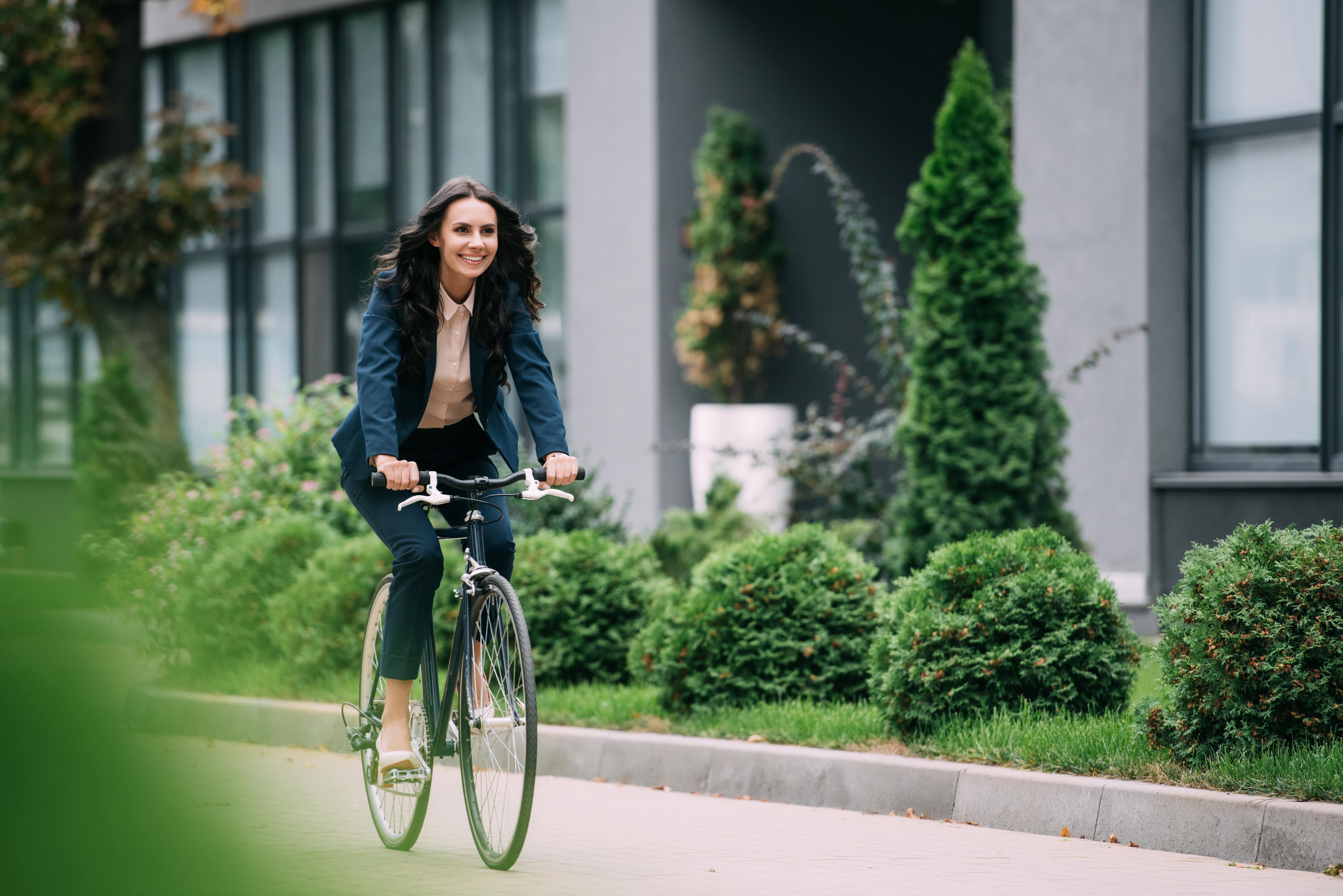 Francia, incentivi per chi va a lavoro in bici