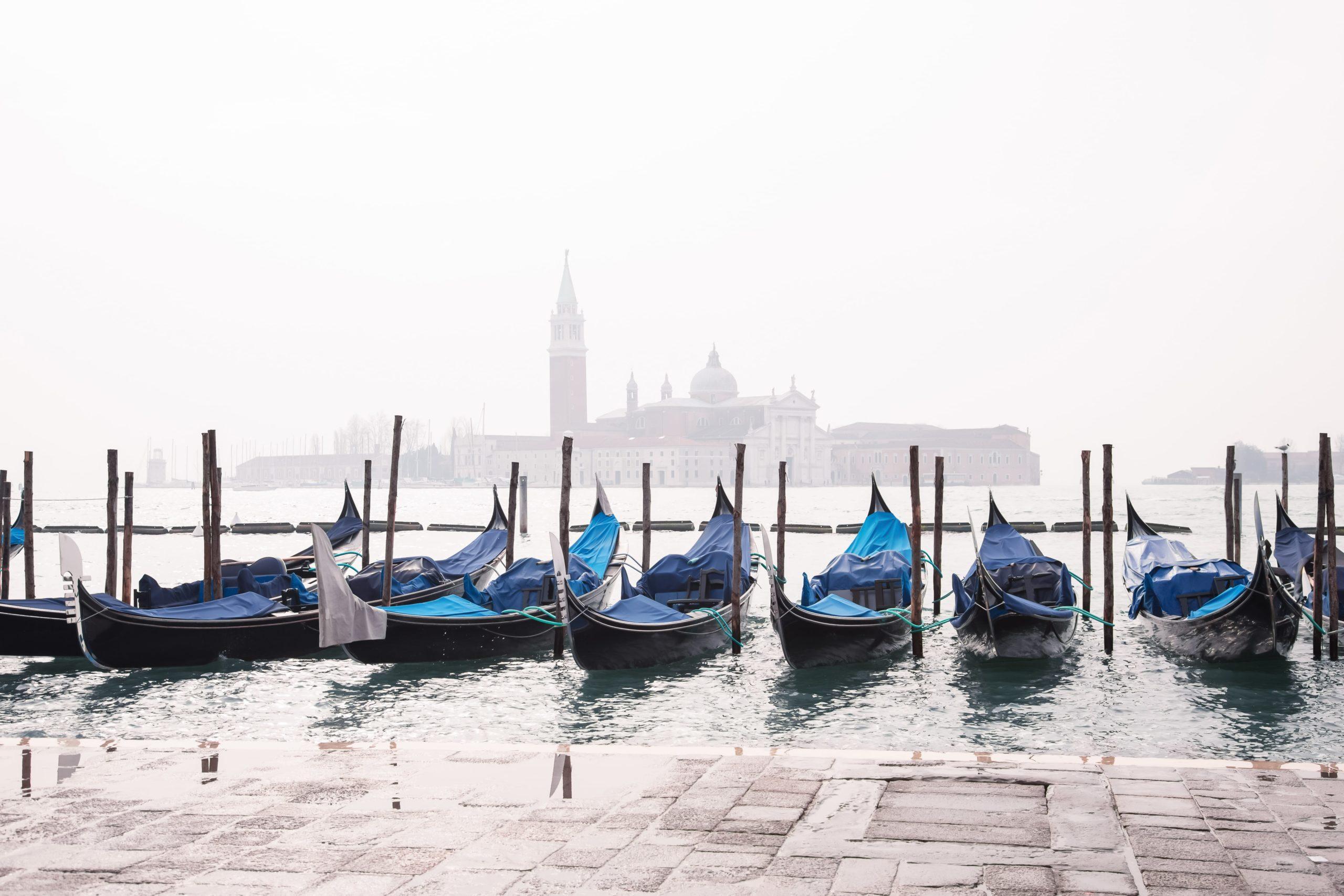 Allarme smog a Venezia: inquinamento è provocato dalle barche