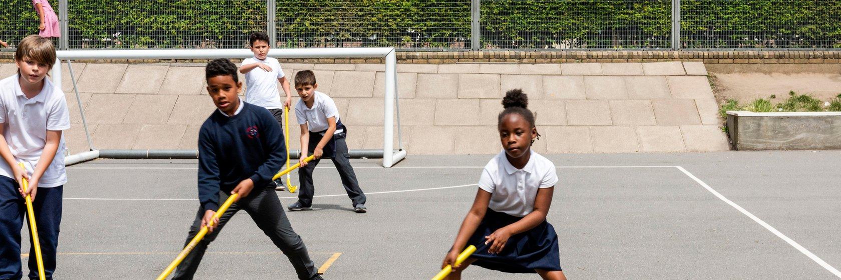 Randal Cremer_children playing hockey
